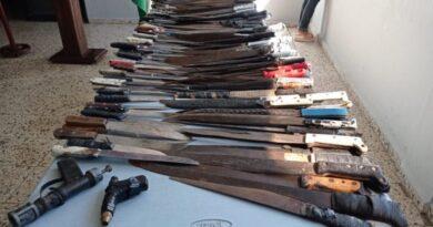 En dos semana PN incauta más de 160 armas blancas en San Juan