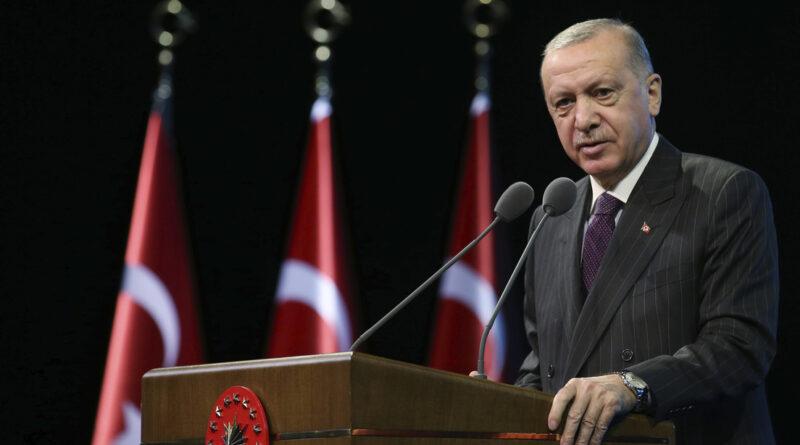 """Erdogan: """"Europa está preparando su propio fin con su frente contra los musulmanes"""""""