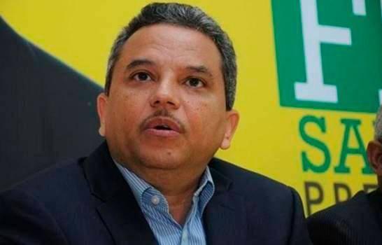 Fidel Santana renuncia del Frente Amplio