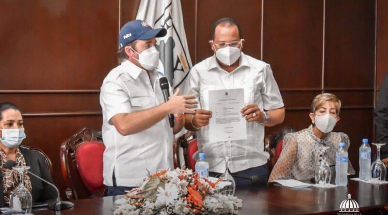 Gobierno entrega RD$48MM para remodelación del mercado municipal de Puerto Plata