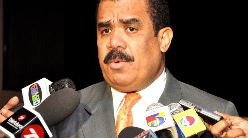 Internan ex senador de Elías Piña, Adriano Sánchez Roa, por covid-19