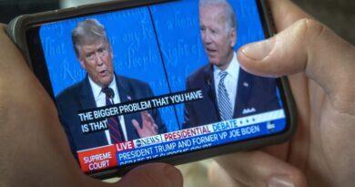 Las encuestas en estados cruciales para la elección golpean la campaña de Trump