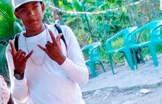 Muere joven que resultó quemado rescatando a su hijo y esposa durante fuego en planta de gas de Santiago