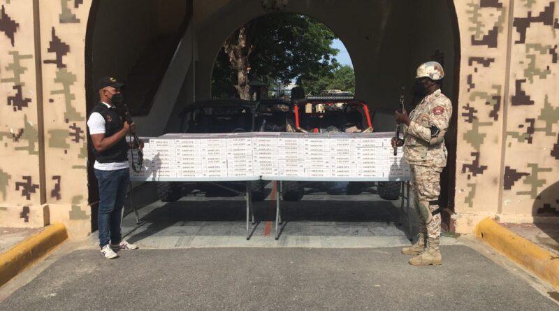 Militares incautan jepeta con 848 paquetes de cigarrillos en Elías Piña