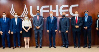 Ministro de Educación Superior visita la UFHEC