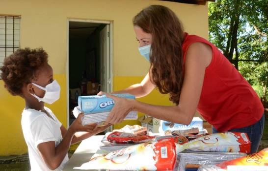 Save The Children realiza entrega de kits escolare