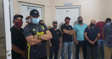 Otra fiesta clandestina desarticulada en Santiago; participaba Banda Real