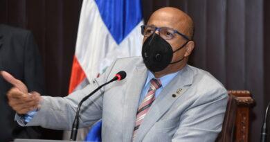 Pacheco designa comisión escogerá ternas para Defensor del Pueblo