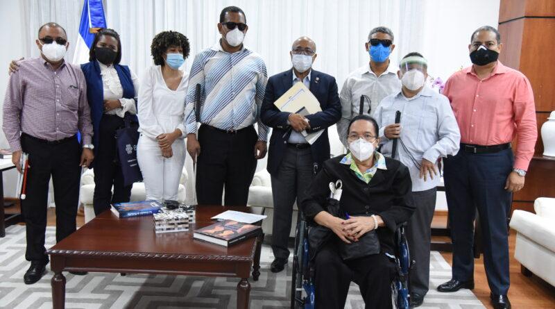 Presidente Cámara de Diputados recibe representantes de Federación de Discapacitados