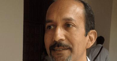 """Rafael Espinal: """"Gobierno pudo hacer una ingeniería financiera y evitar más impuestos"""""""