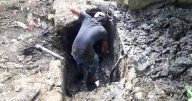 Ayuntamiento SDE va en auxilio moradores Perla Antillana continúan retiro de escombros y limpieza en cementerio Cristo Salvador
