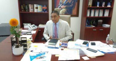 Senador advierte Gobierno busca crear monopolio político