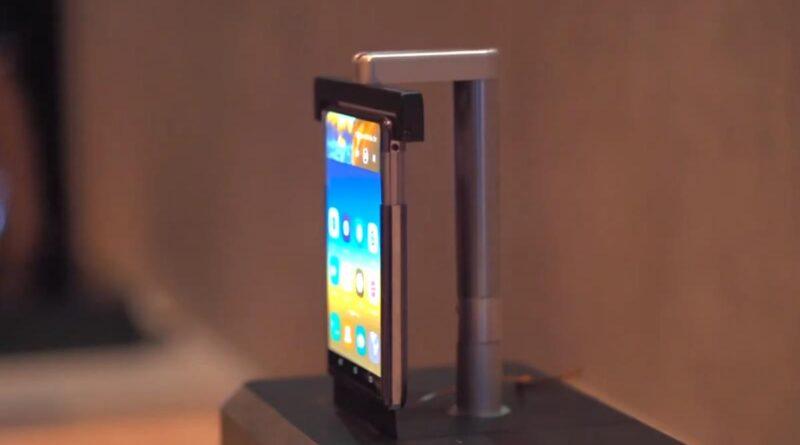 Futuro de los móviles es la pantalla enrollable no plegable: TCL muestra prototipo