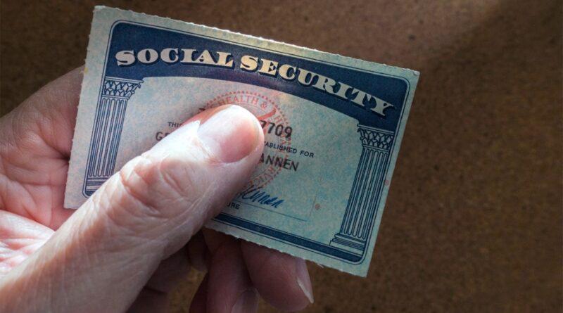 Tres dominicanos acusados en Massachusetts por fraude y robo de identidades para recibir beneficios sociales