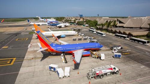 Aeropuerto de Punta Cana: aerolíneas fijan costo de boletos y no la terminal