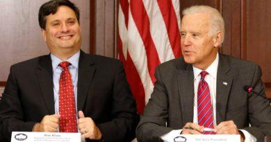 Joe Biden escogió a Ron Klain como jefe de su futuro gabinete