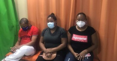 Familiares de joven apuñaleada por otra en Santana piden justicia