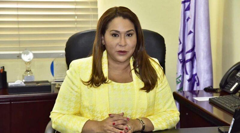 Ministra de la mujer dice Estado no cuenta con política para niños huérfanos