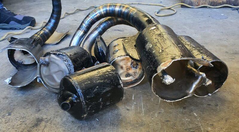 Ocupan droga camufladas en mofles de motocicletas en depósito IMPOSDOM en Santiago