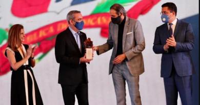 Juan Luis Guerra lanza producción para impulsar Marca País