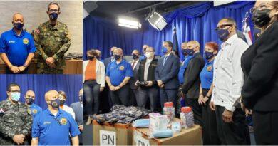 Policías dominicanos de Nueva York entregan cientos de mascarillas al ERD y Policía Nacional