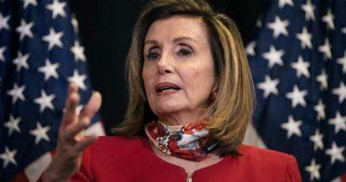 Pelosi asegura que hay ímpetu en las conversaciones para un nuevo estímulo fiscal en EEUU