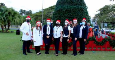 Aeropuerto Cibao realiza tradicional encendido de su arbolito navideño