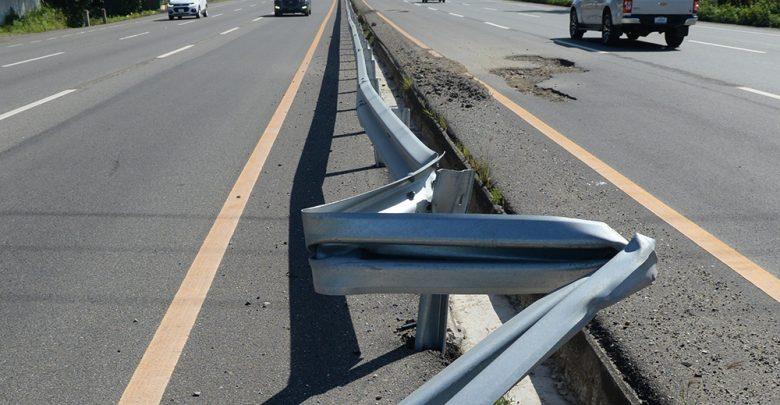 Autopista 6 de noviembre está llena de hoyos peligrosos