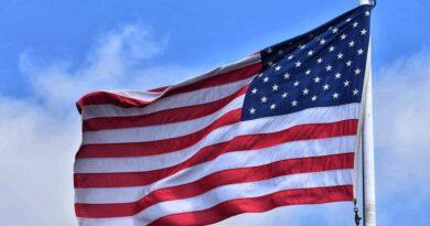 La economía de EE.UU. creció el 7.5% el tercer trimestre, pero pierde impulso