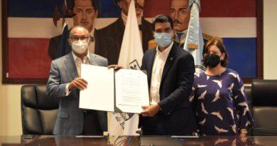 El INAPA firma acuerdo interinstitucional con el Ayuntamiento de Baní