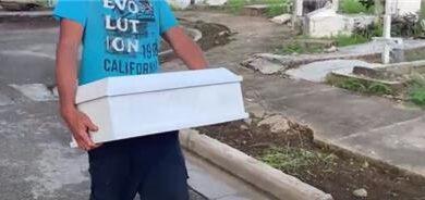 Fiscalía de menores sepulta bebé cuyos padres alegaban seguía con vida