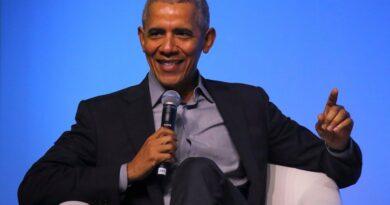 """Barack Obama dijo que Biden hará todo lo posible por unir a EEUU y adelantó: """"Todavía me quedan algunos cartuchos por quemar""""."""