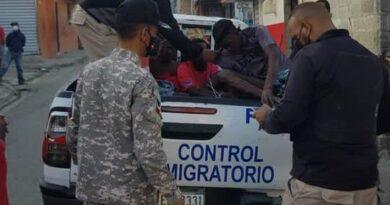 Migración apresa decenas de haitianos ilegales en Santiago y Puerto Plata