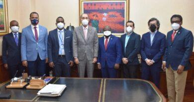 Ministro MESYT y Embajador Haití se reúnen para temas de estudiantes haitianos