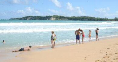 Preocupación en comerciantes: playas del Este lucen desiertas