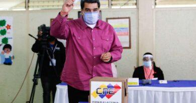 Presidente Maduro: La única manera de elegir en democracia es con el voto