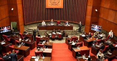Senadores del PLD y Fuerza del Pueblo se niegan a renunciar al 'barrilito' como propuso Abinader