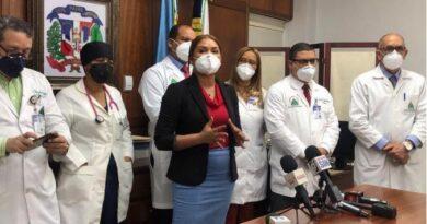 """Directora de hospitales admite en el país se registra un rebrote del virus """"por indisciplina"""""""