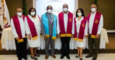 UNEV inviste 1,108 nuevos profesionales de grado en Graduación Ordinaria 58