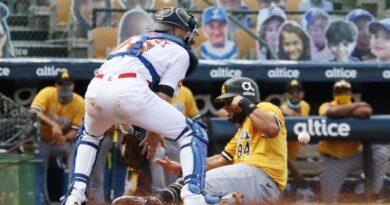Aguilas, Licey y Gigantes ganan en el torneo de beisbol profesional de la RD
