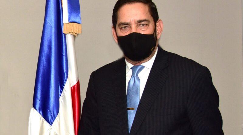 Jaquez anuncia rebaja de Carta de Ruta y gestiones para reducir tarifas de otros servicios consulares