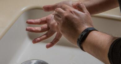 Lavado de manos elimina más de la mitad de las bacterias y virus