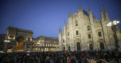 Italia se prepara para adoptar su plan económico pese a crisis política