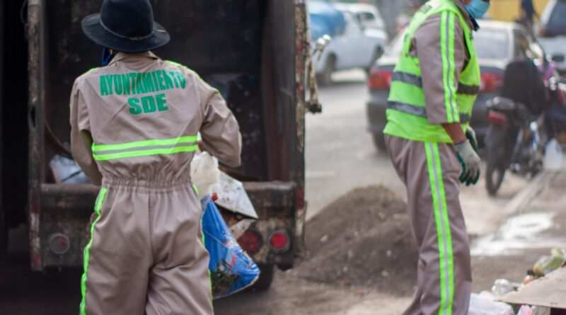 Ayuntamiento Santo Domingo Este asume control directo de recogida de basura en Los Mina, Cancino, Los Tres Brazos y otros grandes sectores
