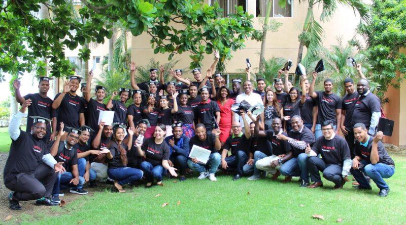 Centros Tecnológicos Comunitarios: la puerta a un mañana próspero para los jóvenes