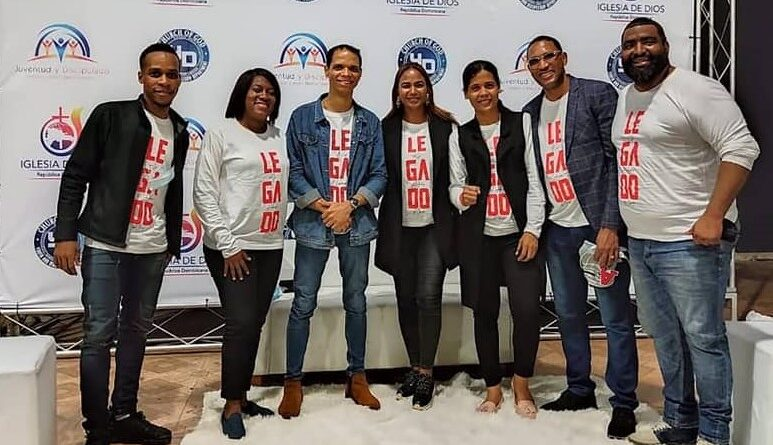 Concilio Iglesia de Dios: juventud enfrenta desafíos, influencia tecnológica, falta de oportunidades y crisis familiar