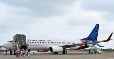 Desaparece un avión de pasajeros en Indonesia tras perder más de 3.000 metros de altitud en menos de un minuto