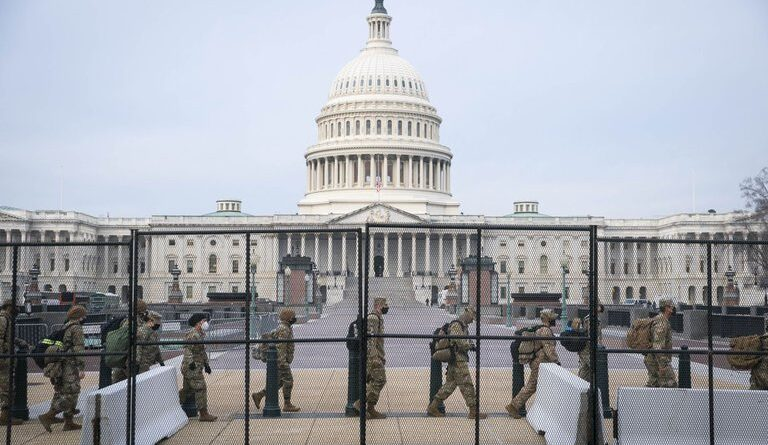El FBI advirtió sobre planes de protestas armadas en todo Estados Unidos contra el resultado de las elecciones