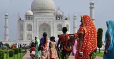La India bloquea el acceso móvil a Internet en áreas cercanas a Nueva Delhi donde protestan los granjeros