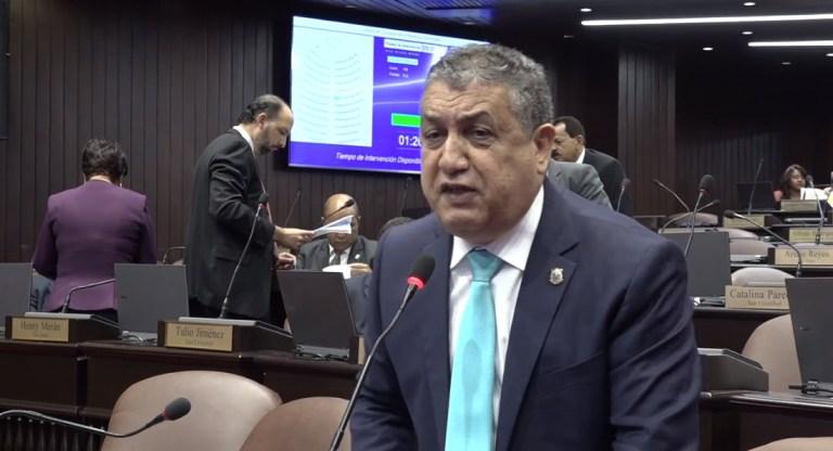 Vocero diputados PLD advierte situación del toque de queda se ha ido de las manos a autoridades